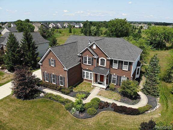 23683 Lyon Ridge Drive, Lyon Twp, MI 48178 (#2210036463) :: Duneske Real Estate Advisors