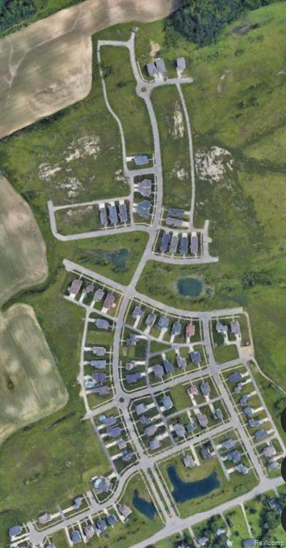 3296 Heritage Boulevard, Swartz Creek, MI 48473 (#2210037491) :: Real Estate For A CAUSE