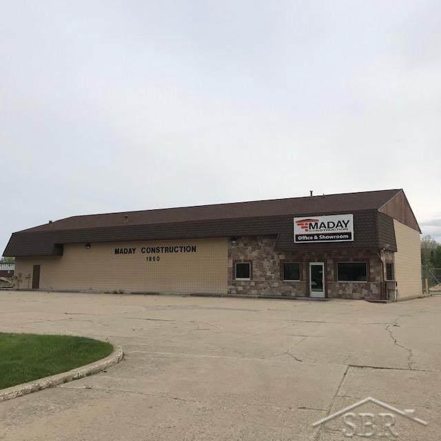 1850 Midland, Saginaw Twp, MI 48603 (#61050042487) :: GK Real Estate Team