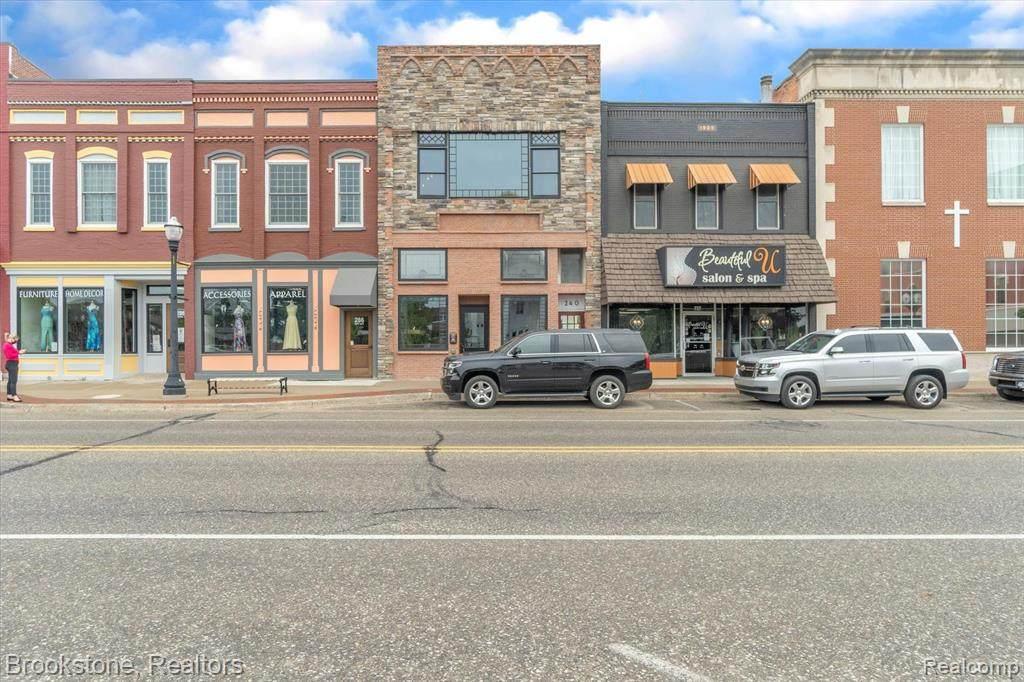 240 Nepessing Street - Photo 1