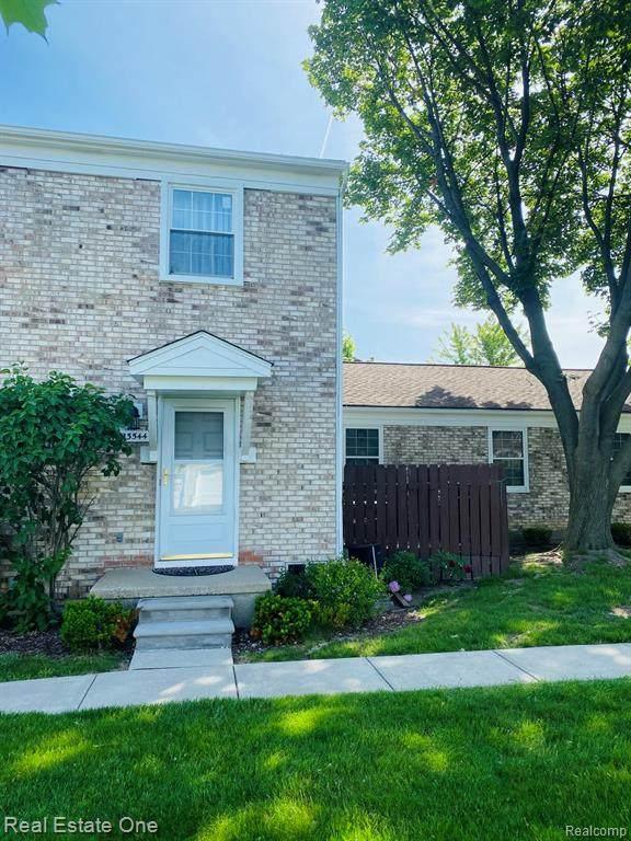 23544 N Rockledge, Novi, MI 48375 (#2210040880) :: Duneske Real Estate Advisors