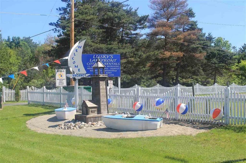 8949 Lakeshore Rd - Photo 1