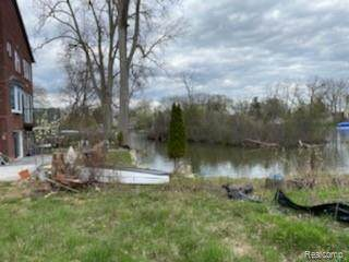0 Cass Lake Road, Waterford Twp, MI 48328 (#2210041494) :: Real Estate For A CAUSE