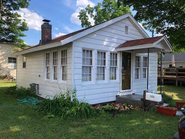 105 W St Marys Street, Decatur Vlg, MI 49045 (#66021020321) :: Keller Williams West Bloomfield