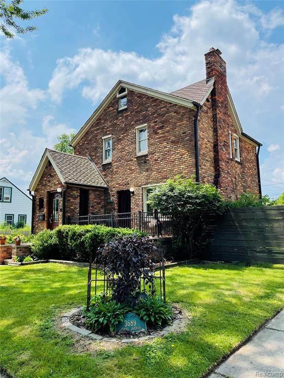 3689, Royal Royal Avenue, Berkley, MI 48072 (#2210044381) :: Real Estate For A CAUSE