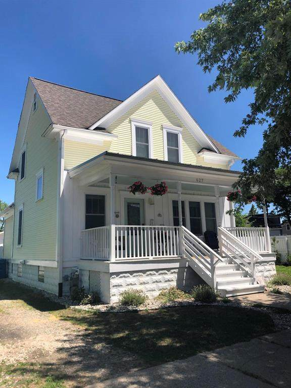 627 Fulton Avenue, Grand Haven, MI 49417 (#71021022307) :: Duneske Real Estate Advisors