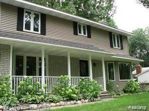2385 Horace Street, West Bloomfield Twp, MI 48324 (#2210045940) :: The Mulvihill Group
