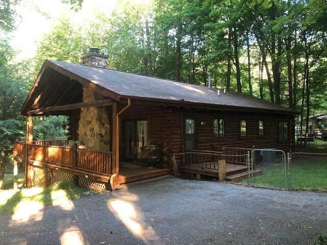 8650 Mohawk Court, Morton Twp, MI 49346 (#72021023025) :: Real Estate For A CAUSE