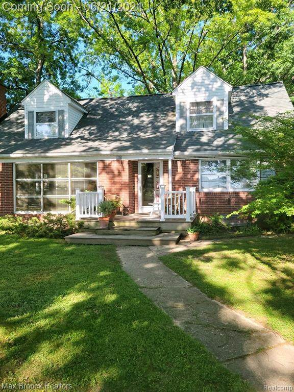 3300 Coventry Drive, Waterford Twp, MI 48329 (#2210047017) :: Real Estate For A CAUSE