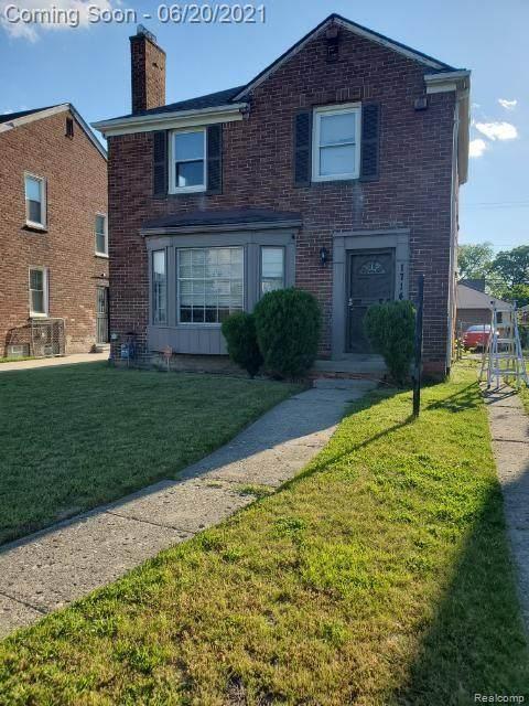 17141 Whitcomb Street, Detroit, MI 48235 (#2210047519) :: Alan Brown Group