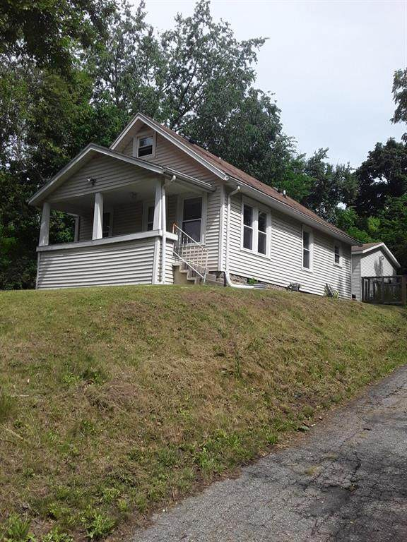 2124 Benton Avenue, Kalamazoo, MI 49008 (#66021023630) :: GK Real Estate Team
