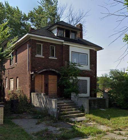 2073 Hazelwood Street, Detroit, MI 48206 (#2210048589) :: Duneske Real Estate Advisors