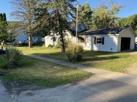 407 Russell Street, Middleville Vlg, MI 49333 (#65021024000) :: Keller Williams West Bloomfield