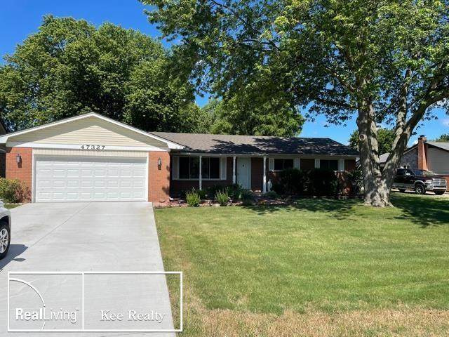 47327 Atwater, Chesterfield Twp, MI 47327 (#58050046223) :: Duneske Real Estate Advisors