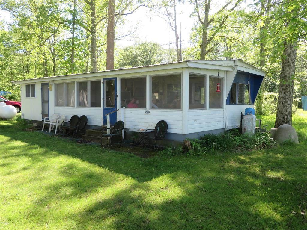 4263 Swan Lake Drive - Photo 1