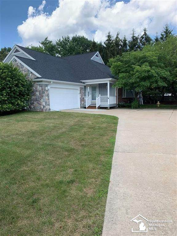 1003 Meadowlands Ct. - Photo 1