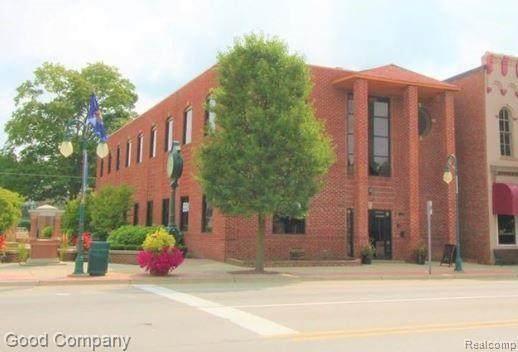 107 S Main Street, Almont Vlg, MI 48003 (#2210054018) :: Novak & Associates