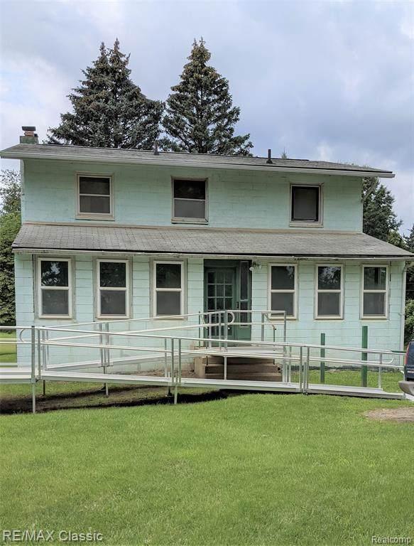 3900 Childs Lake Road, Milford Twp, MI 48381 (#2210056143) :: BestMichiganHouses.com