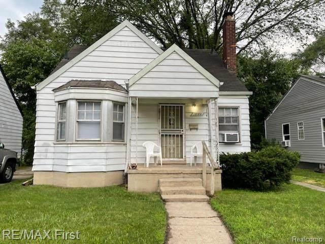 19189 Dresden Street, Detroit, MI 48205 (#2210057352) :: Duneske Real Estate Advisors