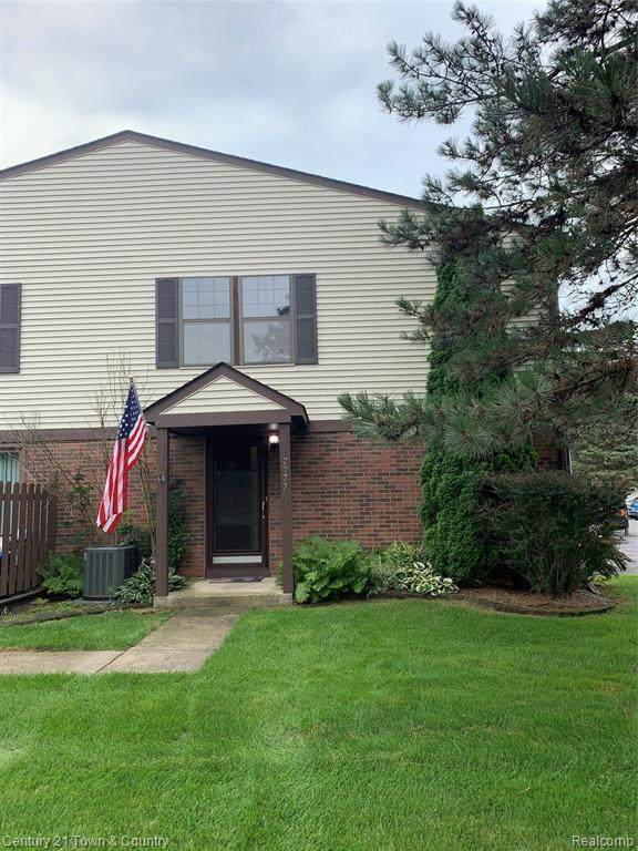 7777 Pontiac Lake Road, Waterford Twp, MI 48327 (#2210059356) :: Real Estate For A CAUSE