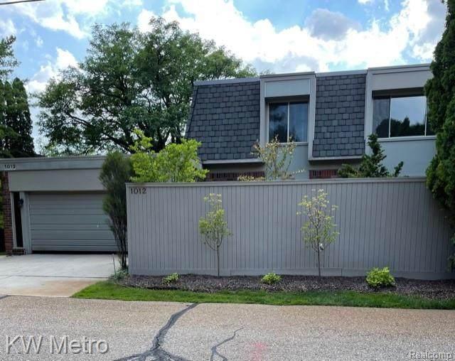 1012 Stratford Lane East Lane E, Bloomfield Hills, MI 48304 (#2210061976) :: Robert E Smith Realty