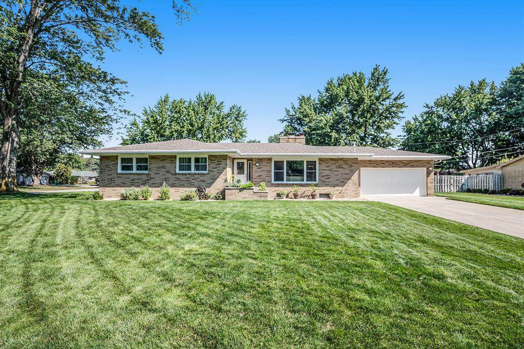 5551 Mohican Drive - Photo 1