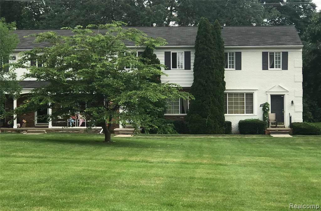 527 Fox Hills Drive - Photo 1