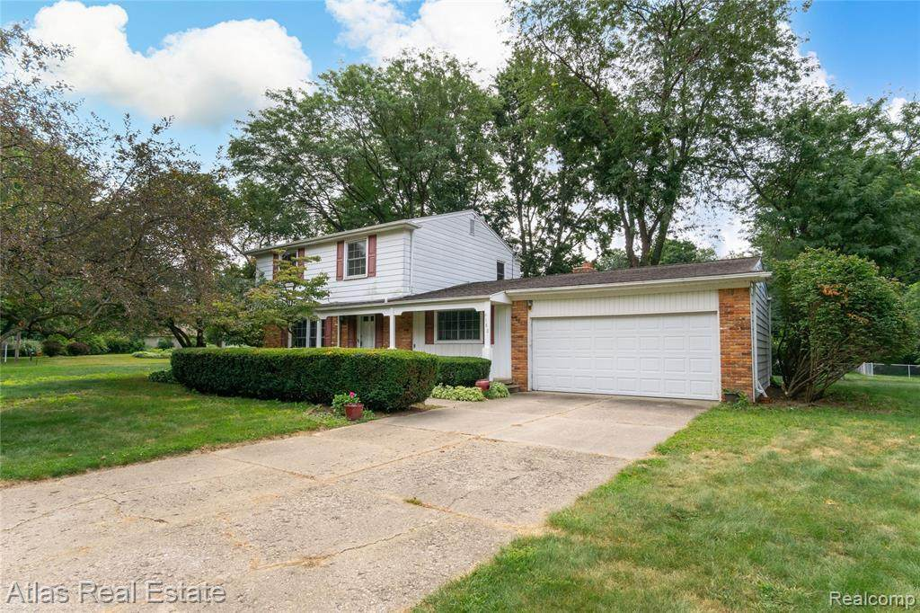 6180 Greenview Dr - Photo 1