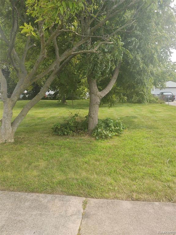 0 Lawn, Roseville, MI 48066 (#2210066133) :: The Vance Group   Keller Williams Domain