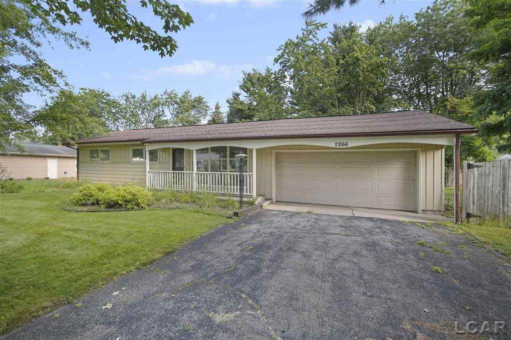 2266 Greenview Dr - Photo 1