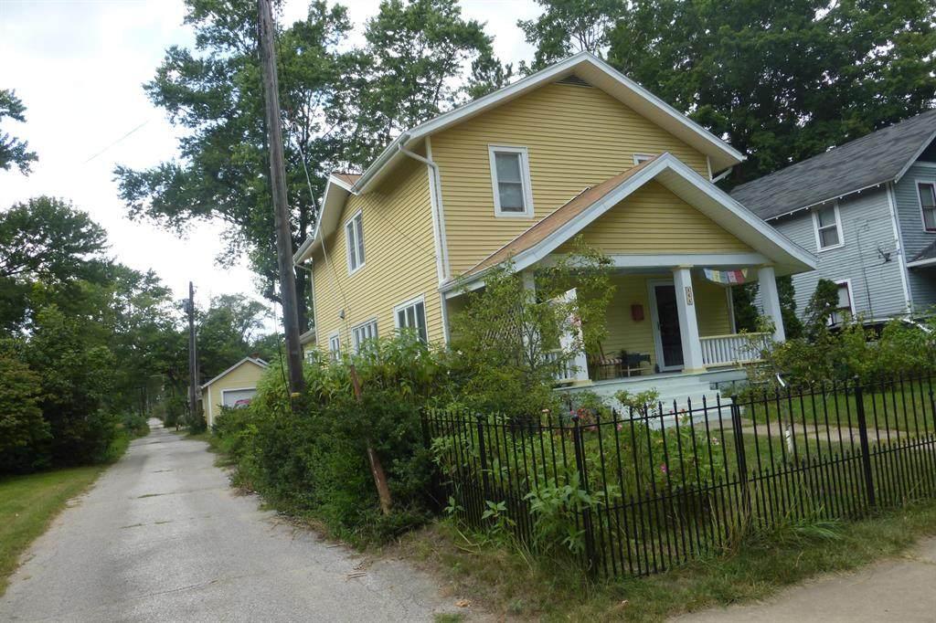 464 St. Joseph Avenue - Photo 1