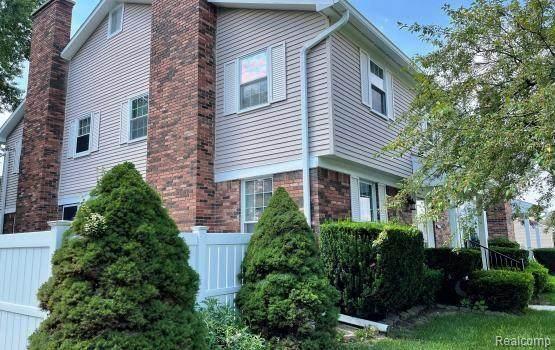 20827 E Glen Haven Circle, Novi, MI 48167 (#2210068954) :: Duneske Real Estate Advisors