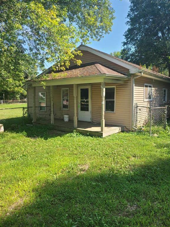 152 New Street, Galesburg, MI 49053 (#66021102367) :: The Alex Nugent Team   Real Estate One
