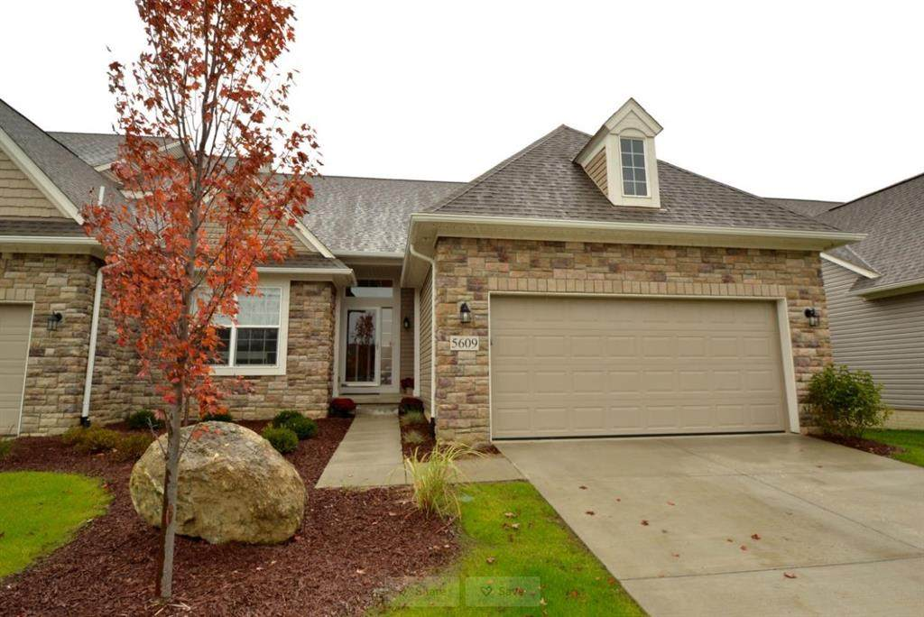 42 Gallery Pointe Drive - Photo 1