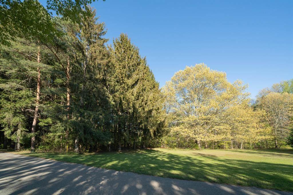 6333 Lakewood Pointe Drive - Photo 1