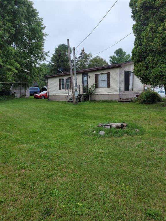19035 W Chippewa Drive, Chippewa Twp, MI 49342 (#72021103101) :: The Vance Group   Keller Williams Domain