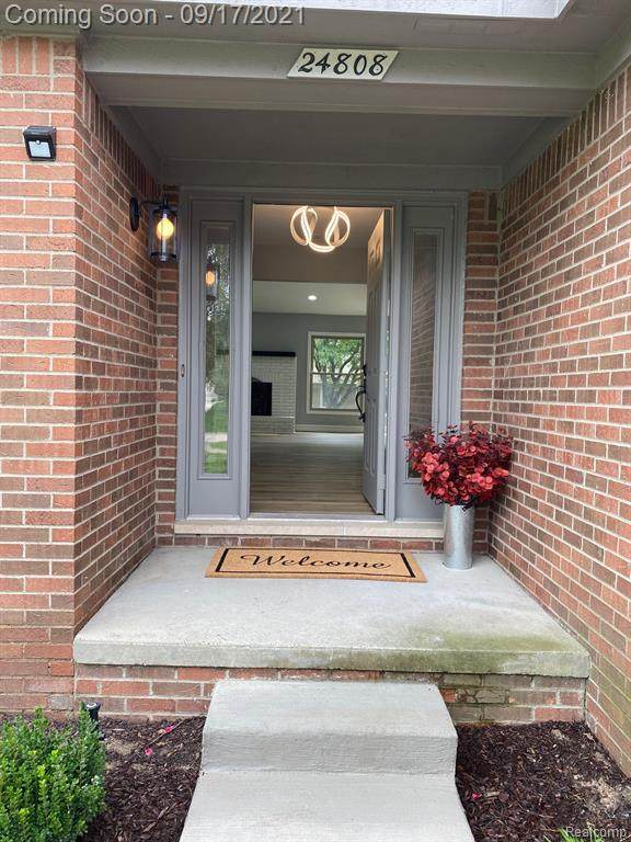 24808 Sutherland Drive, Novi, MI 48374 (#2210072061) :: Duneske Real Estate Advisors