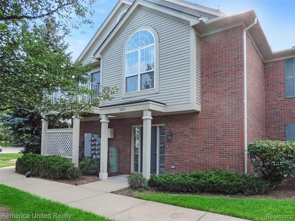 5201 Chesapeake Circle - Photo 1