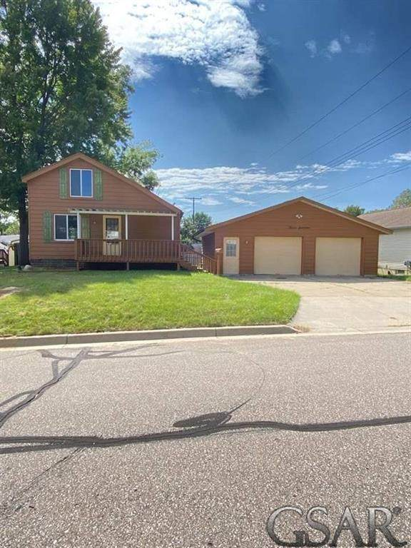 1217 State St, CITY OF LAPEER, MI 48446 (#60050054121) :: Real Estate For A CAUSE