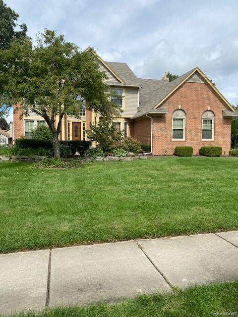 7188 White Oak Drive, Bloomfield Twp, MI 48324 (#2210076546) :: Duneske Real Estate Advisors
