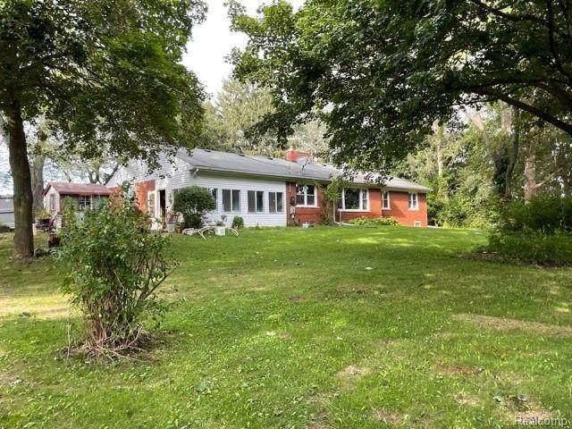 57835 8 MILE Road, Salem Twp, MI 48167 (#2210076921) :: Duneske Real Estate Advisors