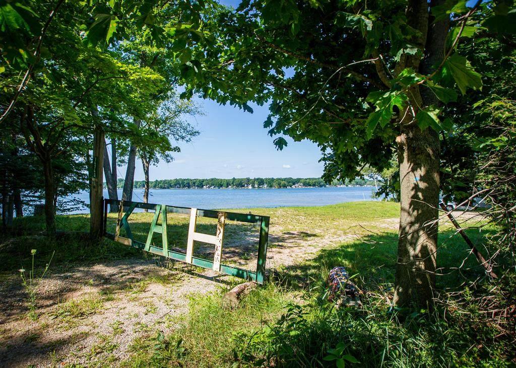 14743 Horsehead Lake Drive - Photo 1