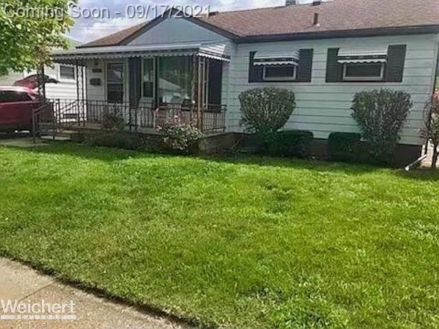 29700 Rosemont, Roseville, MI 48066 (#58050055037) :: GK Real Estate Team