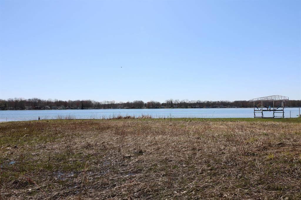 63395-2 Lakeshore Drive - Photo 1