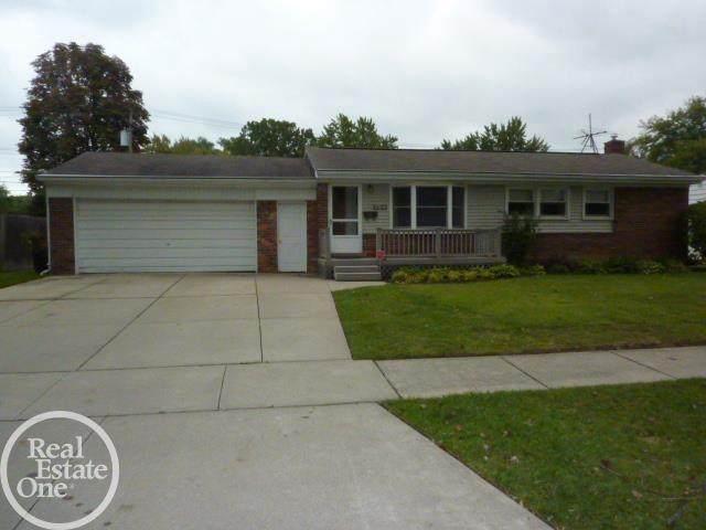 23054 Dale Allen, Clinton Twp, MI 48035 (#58050055772) :: Duneske Real Estate Advisors