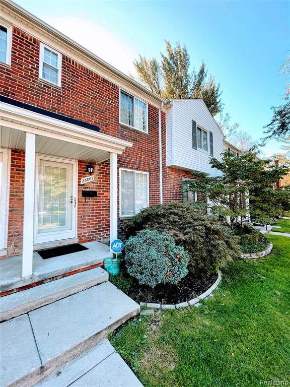 23067 Gary Lane, Saint Clair Shores, MI 48080 (#2210080769) :: Real Estate For A CAUSE