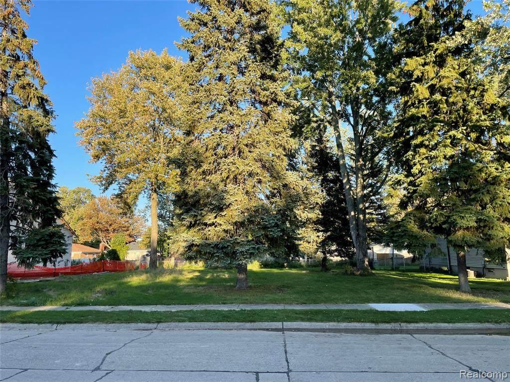 599 Bywood Avenue - Photo 1
