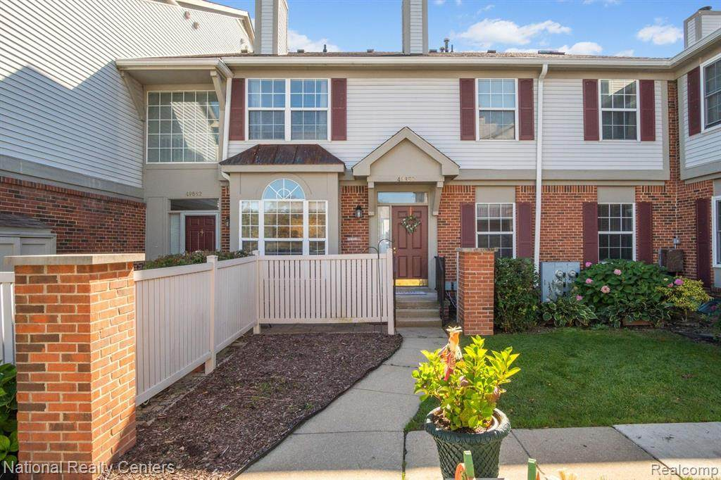 49850 Pointe Crossing - Photo 1