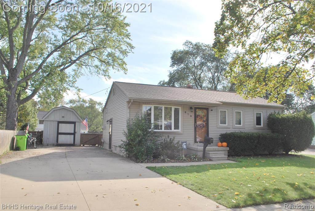 819 Southwood Drive - Photo 1