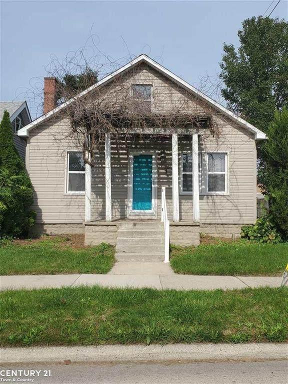 30 W Harwood Ave, Madison Heights, MI 48071 (#58050057903) :: Robert E Smith Realty
